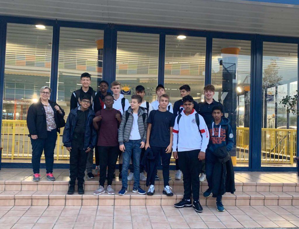Alumnos del colegio Merchant Taylors' School Norwood